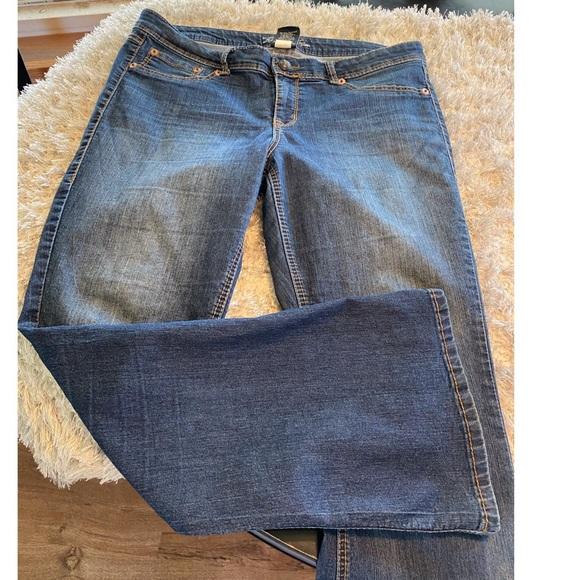 Torrid Source of Wisdom Bootcut Jeans Size 16